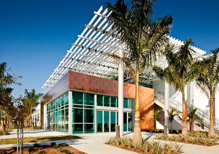 Allen Amp Marla Weiss Health Sciences Florida Southwestern State College